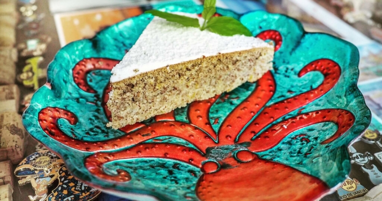 Tradycyjne, migdałowe ciasto z Majorki – Gató d'ametlla