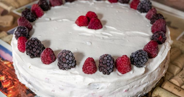 Malinowy tort – król niedzielnych spotkań przy kawie  :)