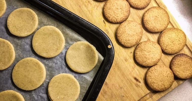 Obłędnie proste kruche ciasteczka – wszystkie składniki masz w domu!